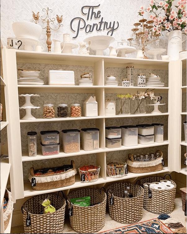 farmhouse-pantry-sign