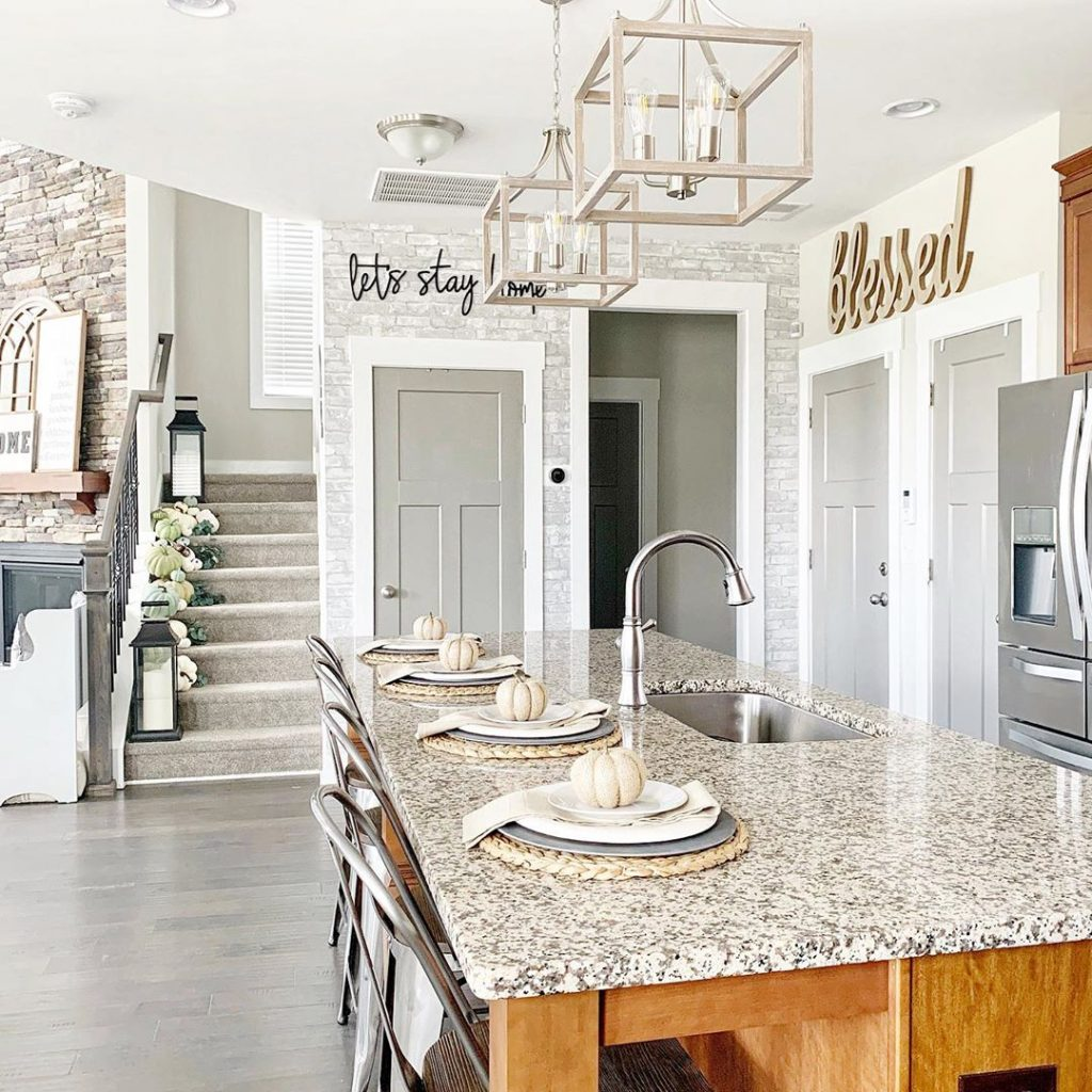 farmhouse-kitchen-island
