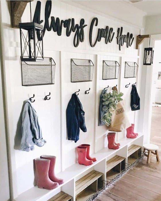 Entryway with hooks and baskets
