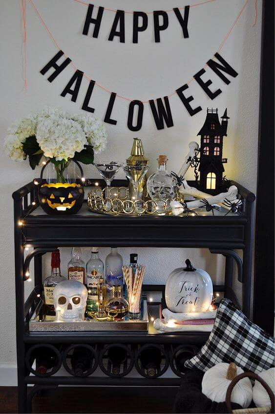 halloween-decor-bar-cart