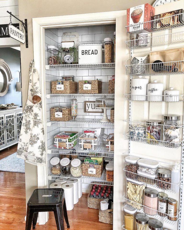farmhouse-pantry