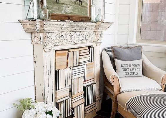 How to Decorate That Empty Corner in Your Living Room