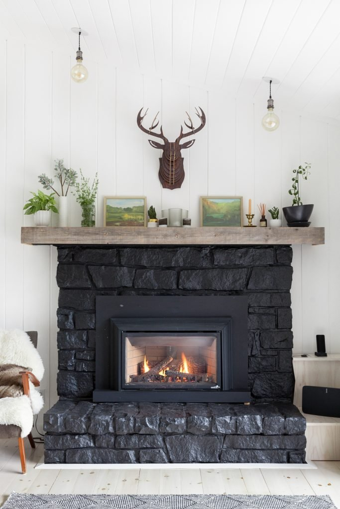 black-fireplace-shelf-idea